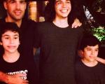 No sentido horário: Pedro, Mano, José e João Wladimir, família reunida