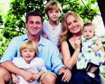 Angelica e Huck com os filhos Joaquim, Benício e Eva