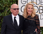 Os noivos, Rupert Murdoch e Jerry Hall no Globo de Ouro
