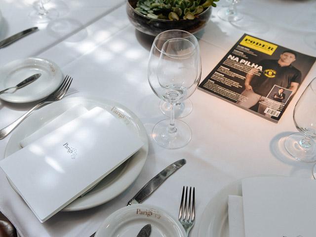 Cliques do almoço de 8 anos da revista PODER por PwC    Créditos: André Ligeiro