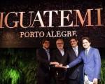 da direita para esquerda: Carlos Jereissati Filho, presidente da Iguatemi Empresa de Shopping Centers, Marcelo Carvalho, copresidente da Ancar Ivanhoe, Carlos Melzer, assionista da Maiojama e Paulo Eduardo Marcondes