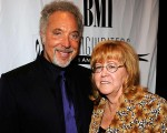 Tom Jones e Melinda Rose Woodward