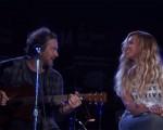 Eddie Vedder e Beyoncé durante a apresentação do cover de Bob Marley durante o Global Citizen Festival