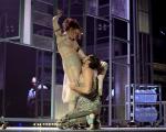 """Laila Garin e Alejandro Claveaux em ensaio de """"Gota D'Água [a seco]"""""""