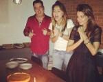 Marco Antonio de Biaggi, Sabrina Sato e Fernanda Motta: comemorando o aniversário da top