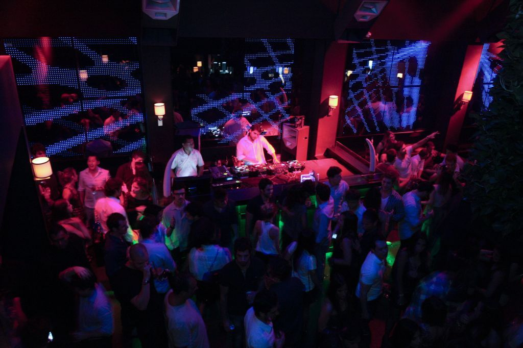SET traz a famosa �Favela Miami Beach�, festa norte-americana ...