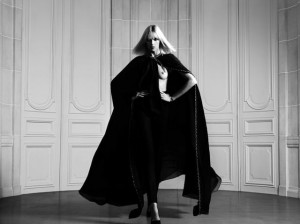 Hedi Slimane faz editorial dramático com Anja Rubik para a Saint Laurent Paris