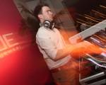 Ed Mafarlane, vocalista da Friendly Fires, apresenta seu DJ set