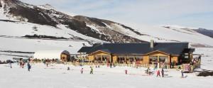 Os melhores destinos para esquiar na América do Sul estão aqui. Agende-se