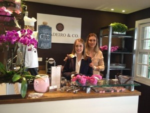 Simone e Nicole Von Gal inauguram café bistrô da Brigadeiro & Co em SP