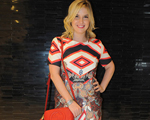 Valentina Drummond de look Le Lis Blanc, bolsa Gucci e sandália Carmen Steffens