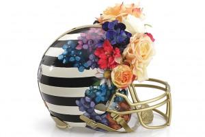 """Estilistas criam capacetes de """"alta costura"""" para futebol americano"""
