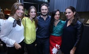Jack Vartanian e as glamurettes cariocas em lançamento