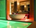 A banheira do hotel W Retreat Koh Samui, na Tailândia