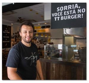 Thomas Troisgros inaugura mais um Reserva TT Burger, em meio ao Mundial