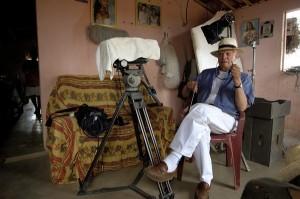 Mais longevo diretor brasileiro completa 90 anos em plena atividade