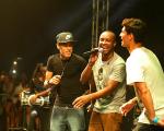 Neymar, Gabriel Medina ao palco com Thiaguinho