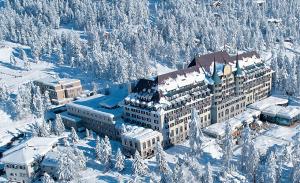 Fuja do calor e embarque nos 10 resorts de frio mais luxuosos do mundo