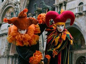 No pique do Carnaval, listamos as 8 festas de rua mais legais do mundo