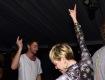 Miley Cyrus feliz ao lado do namorado Patrick Schwarzenegger || Créditos: Getty Images