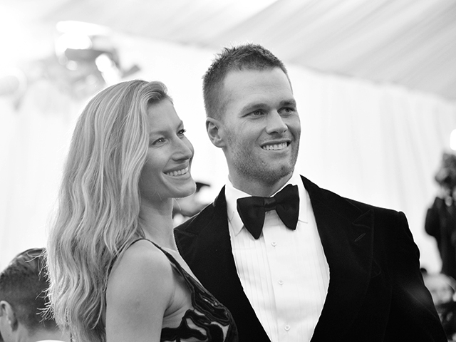 NEW YORK, NY - MAY 05:  [EDITOR'S NOTE: Image has been digitally processed] Gisele BŸndchen and Tom Brady attend the