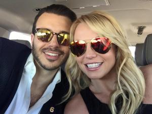 Britney Spears dá dicas de que pode ser a estrela do Super Bowl 2016. Será?