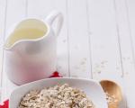 Adquire o hábito de comer 2 colheres de aveia por dia, batida em leite de amêndoas , salpicada em frutas ou feita como mingau