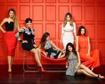 As mulheres do clã Jenner / Kardashian:  khloe Kardashian, Kris Jenner, Kourtney Kardashian, Kim Kardashian, Kendall Jenner e Kylie Jenner