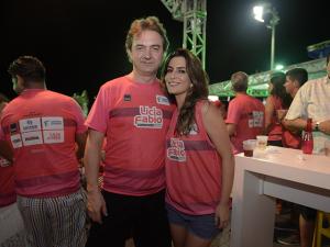 Em forma, Ticiana Villas Boas apresenta filho para a família na Bahia