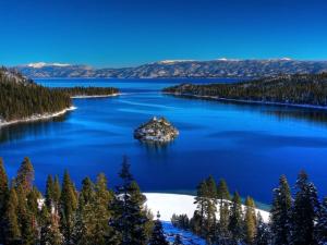 Embarque em uma viagem magia pelos lagos mais lindos do mundo