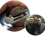 O colar entre para o músico, Jack Vartanian e George Benson || Créditos: Divulgação