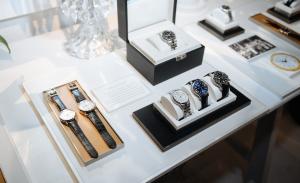 Coleção CT60 da Tiffany & Co traz relógios vintage e cheios de charme