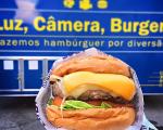 Além dos burgers, o foodtruck do Luz, Câmera, Ação, traz suas deliciosas batatas rústicas. Nhac!