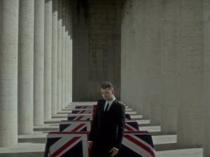 Sam Smith divulga clipe da música-tema do novo filme de 007. Play!