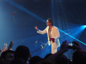 Roberto Carlos pode dar mega show no fim do ano em Salvador