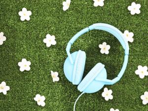 Uma playlist animada para florir sua primavera. Solta o som!