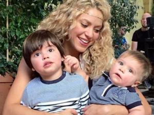 """Shakira chama os filhos de """"gurus"""" em post no Instagram"""