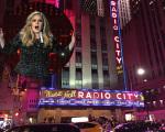 Adele prepara show histórico no Radio City, em Nova York
