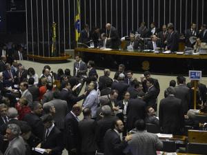 Chocolate vira arma parapressionar parlamentares em votação de veto