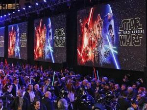 """""""Stars Wars"""" bate marca de R$ 3,89 bilhões em ingressos vendidos"""