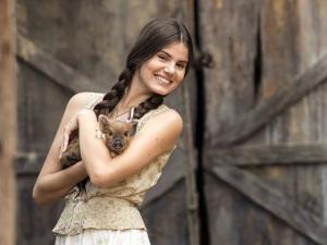 """Camila Queiroz: """"Vou mostrar que sou capaz de fazer outra coisa"""""""