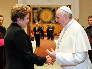 Membros da CNBB dão apoio a Dilma e criticam Eduardo Cunha