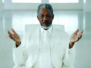Morgan Freeman é a voz que vai guiar seu caminho a partir de agora