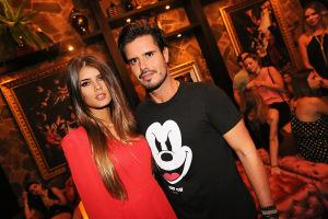 Leo Ribeiro comemora aniversário rodeado de amigos na Posh Club