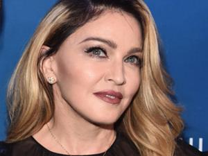 Madonna pede pela volta do filho Rocco com frase de Bukowski
