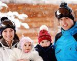 Kate Middleton, Charlotte, George e o principe William na neve