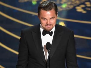 Depois da onda de premiações, Leonardo DiCaprio volta a badalar