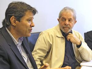 Crise entrelaça futuro de Haddad a PT e saída do partido é descartada