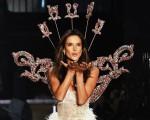 Alessandra Ambrosio no último desfile da Victoria's Secret