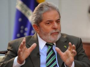 Deputado ironiza negociações de Lula 'em quarto de hotel'